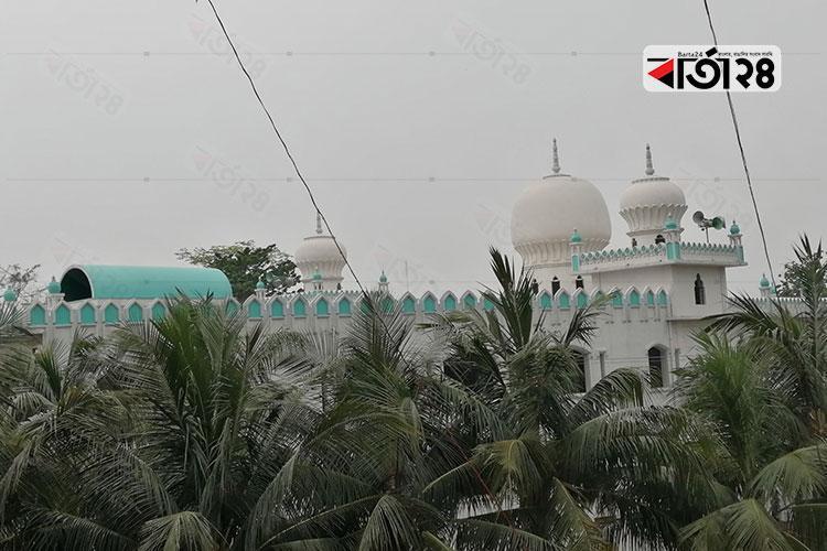 রংপুর কারামতিয়া জৌনপুরী (রহ.) মসজিদ, ছবি: বার্তা২৪.কম