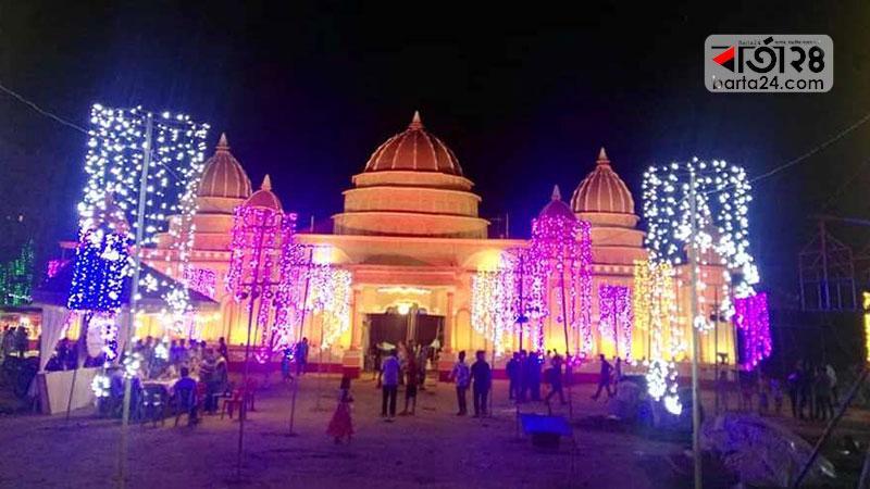 দক্ষিণ চট্টগ্রামের সবচেয়ে বড় পূজা মণ্ডপ, ছবি: বার্তাটোয়েন্টিফোর.কম