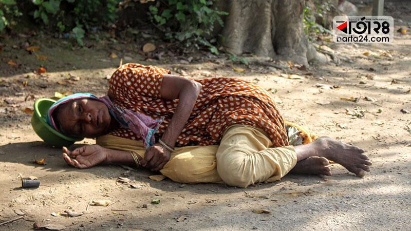 ৭৫ বছর বয়সী বৃদ্ধা মা, ছবি: বার্তাটোয়েন্টিফোর.কম