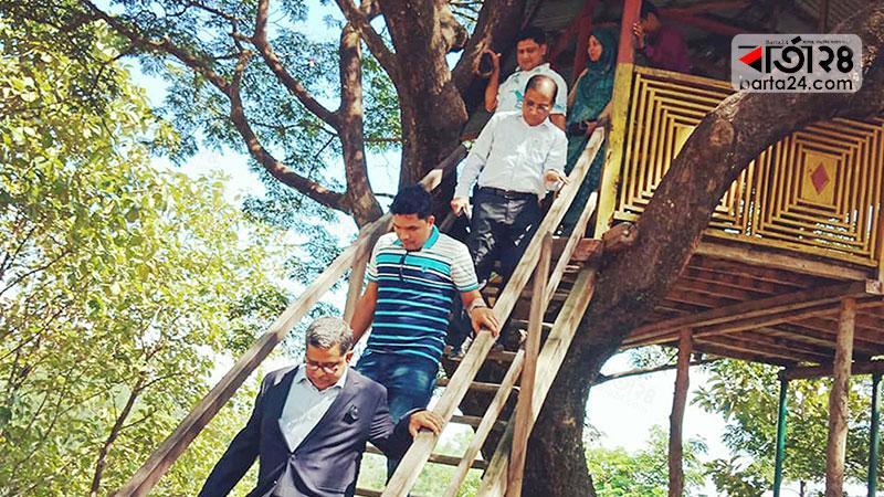 দর্শনীয় ট্যুরিস্ট স্পট পরিদর্শনে মাহবুব আলী সহ অন্যান্যরা। ছবি: বার্তাটোয়েন্টিফোর.কম