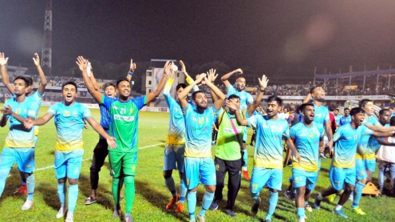 চট্টগ্রাম আবাহনীর ফুটবলারদের জয় উদযাপন