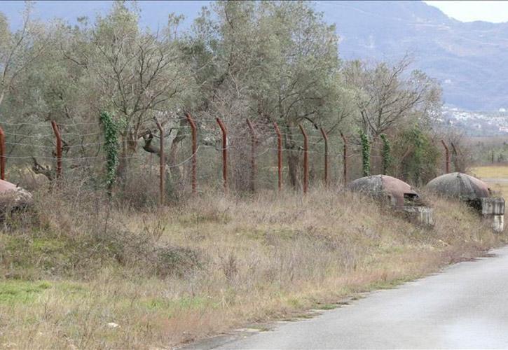 নিয়ন্ত্রণরেখা বরাবর এলাকায় বাঙ্কার নির্মাণ করছে পাকিস্তান সেনাবাহিনী