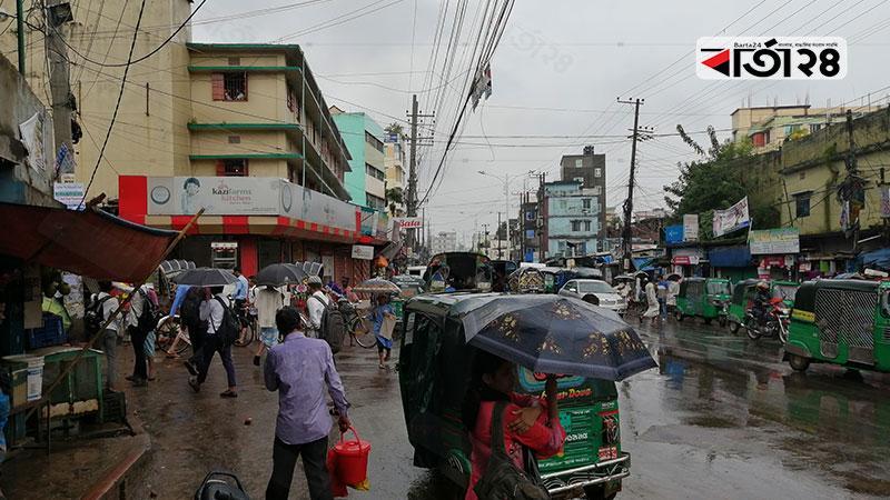 বৃষ্টিস্নাত চট্টগ্রামের হামজার বাগ এলাকা,  ছবি: বার্তাটোয়েন্টিফোর.কম