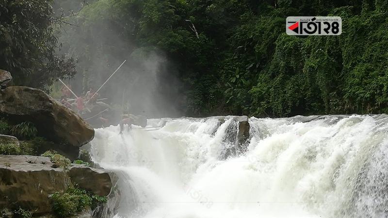 নাফাখুম জলপ্রপাত, ছবি: বার্তাটোয়েন্টিফোর.কম