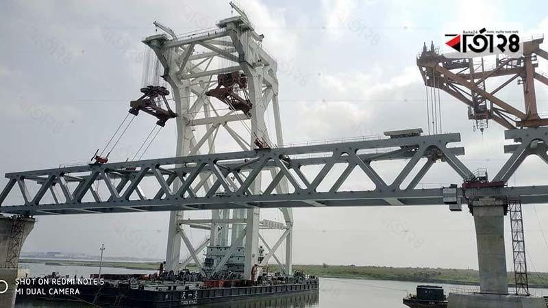 28th span of Padma Bridge installed/photo: barta24.com