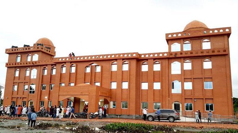 বরিশাল বিশ্ববিদ্যালয়ের দৃষ্টিনন্দন নতুন মসজিদ, ছবি: সংগৃহীত