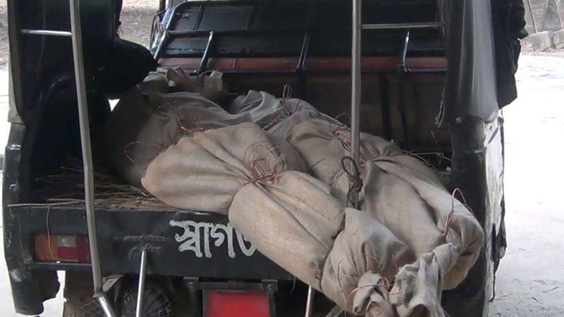 দিনাজপুরে পুলিশের সঙ্গে 'বন্দুকযুদ্ধে' নিহত হয়েছেন দুই যুবক