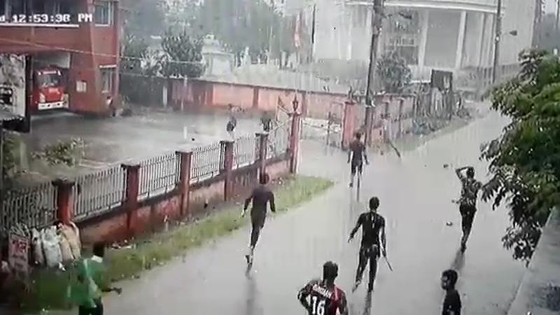 পটুয়াখালীতে ফের মাথাচাড়া দিয়ে উঠেছে কিশোর গ্যাং