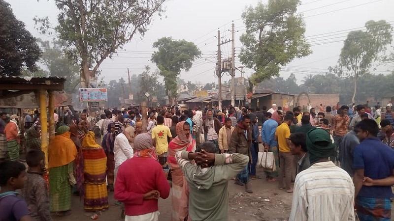 রংপুরের নব্দীগঞ্জ বাজারে কৃষি শ্রমিকের হাট।