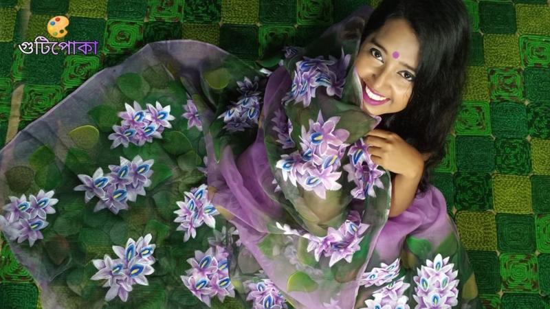 গুটিপোকার হাতে আঁকা মসলিন শাড়িতে আফসানা সুমী, ছবি কৃতজ্ঞতা: গুটিপোকা