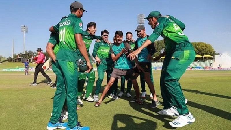 পাকিস্তানের অনূর্ধ্ব-১৯ ক্রিকেট টিম