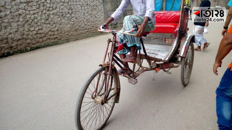 আইন করেও থামছে না পাড়া মহল্লায় মোটরচালিত রিকশার দৌরাত্ম্য