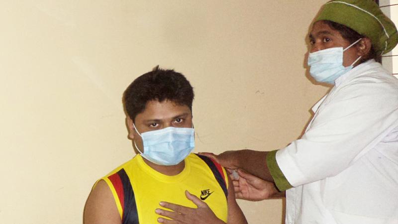 রংপুর বিভাগে ১৬ দিনে টিকা নিলেন ২ লাখ ১০ হাজার মানুষ