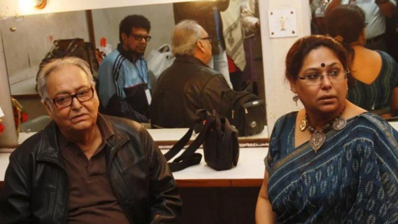 বাবা সৌমিত্র চট্টোপাধ্যায়ের সঙ্গে পৌলমি বসু