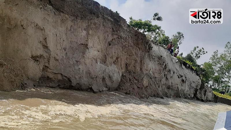 গাইবান্ধায় ভাঙছে নদী,