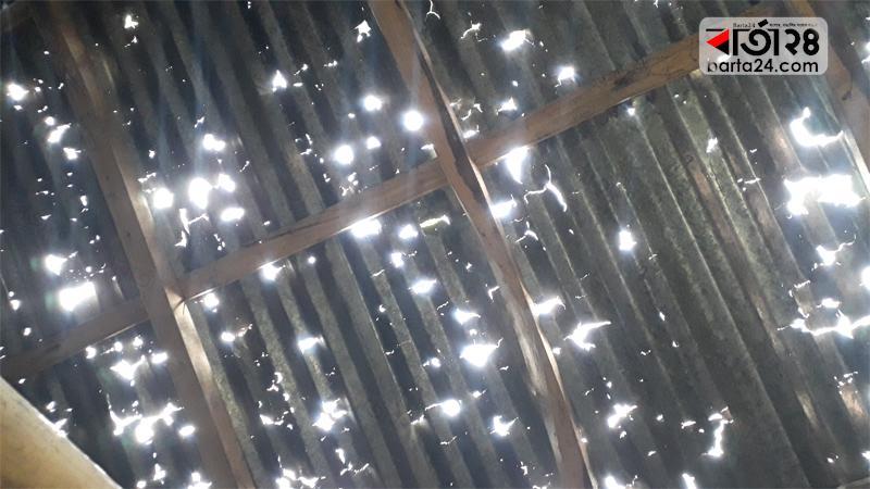 রংপুরে কালবৈশাখীর তাণ্ডবে ২ হাজার ঘরক্ষতিগ্রস্ত, ১৩ দিনেও মেলেনি সহায়তা